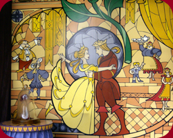 Belle's Kerstdrop in Fantasyland